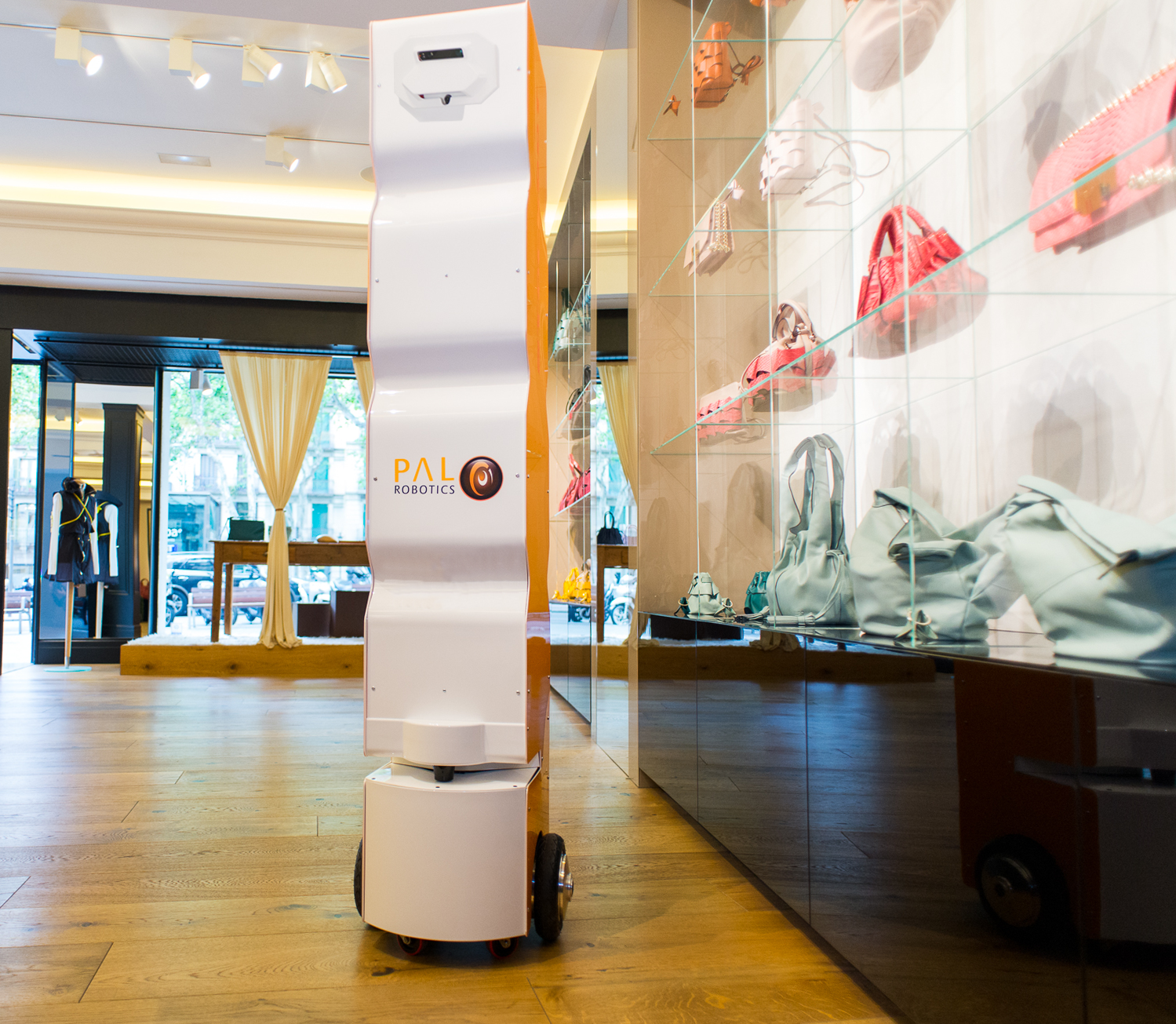 StockBot-camera-vision-RFID-robot-PAL-retail